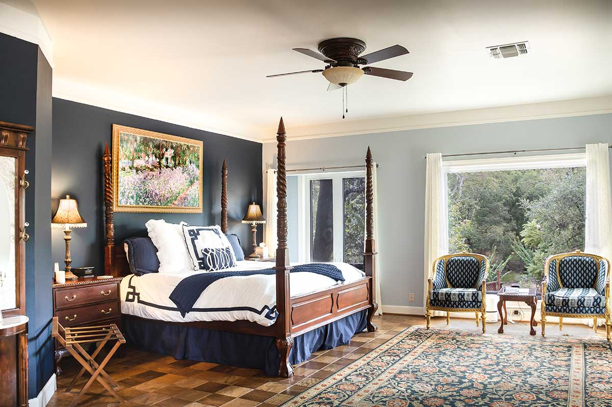 wide shot of blue bonnet guest room